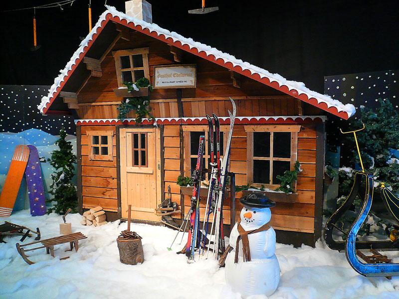 Winter decor. Houten chalet voor de perfecte basis voor een winterse ...